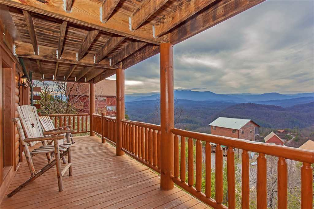 Photo of a Pigeon Forge Cabin named A Diamond In The Sky - This is the forty-fifth photo in the set.