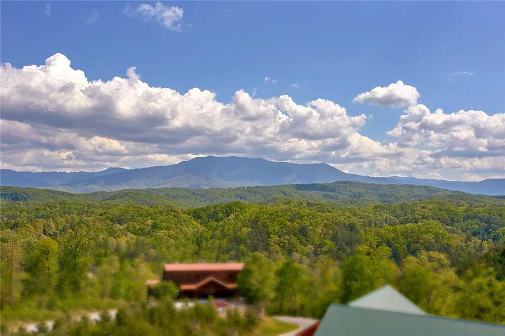 Photo of a Pigeon Forge Cabin named Awesome View Lodge - This is the thirty-sixth photo in the set.