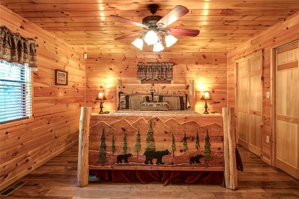 Photo of a Sevierville Cabin named Bear Hunter - This is the twentieth photo in the set.