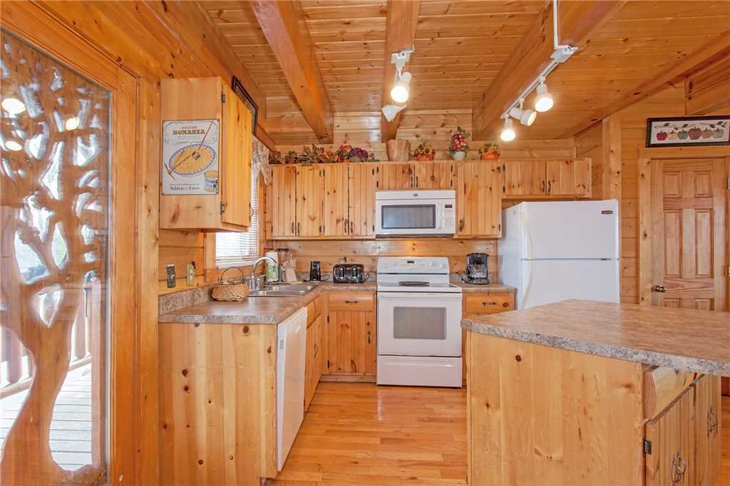 Photo of a Pigeon Forge Cabin named A Diamond In The Sky - This is the ninth photo in the set.