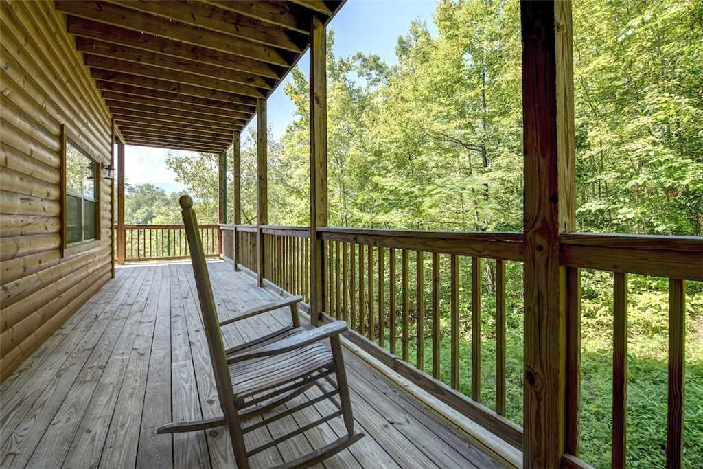 Photo of a Sevierville Cabin named Bear Hunter - This is the thirty-first photo in the set.