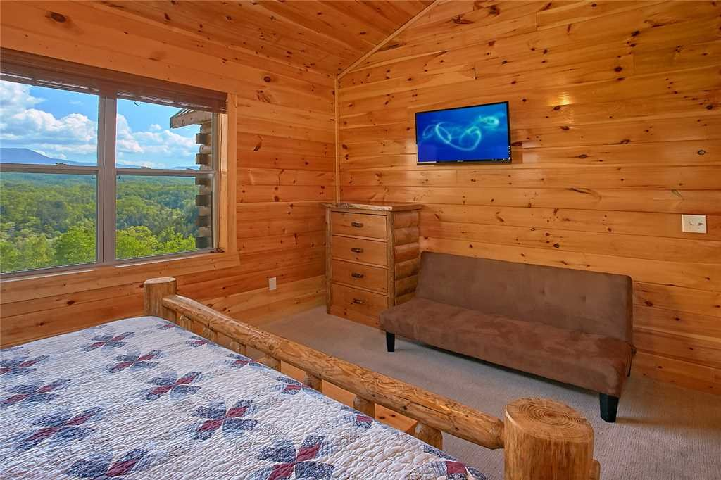 Photo of a Pigeon Forge Cabin named Awesome View Lodge - This is the eighteenth photo in the set.
