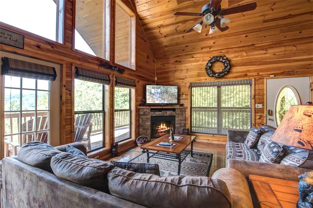 Photo of a Sevierville Cabin named Bear Hunter - This is the fourth photo in the set.