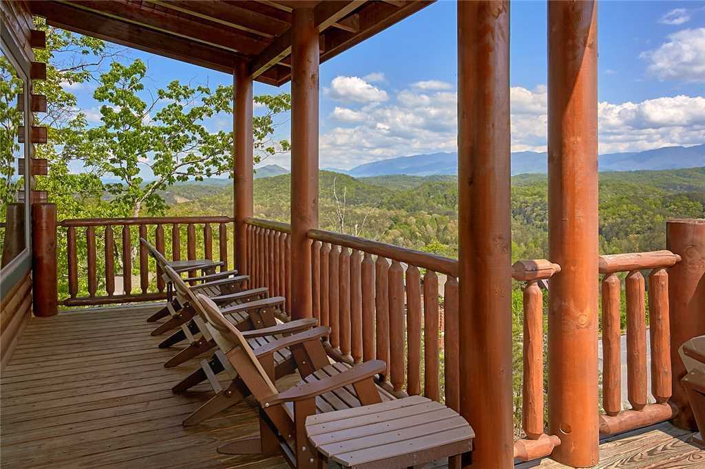 Photo of a Pigeon Forge Cabin named Awesome View Lodge - This is the thirty-fifth photo in the set.