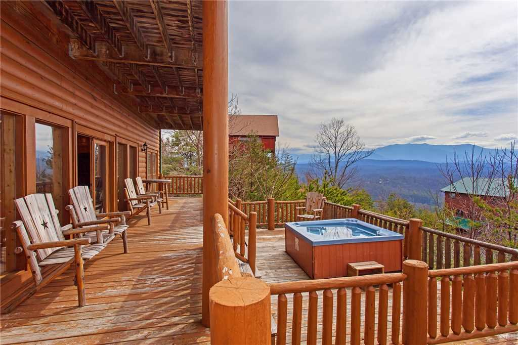 Photo of a Pigeon Forge Cabin named A Diamond In The Sky - This is the fortieth photo in the set.