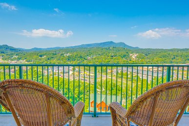 Crown Condo, 2 Bedrooms, Fireplace, Indoor Pool, Mountain View, Sleeps 6