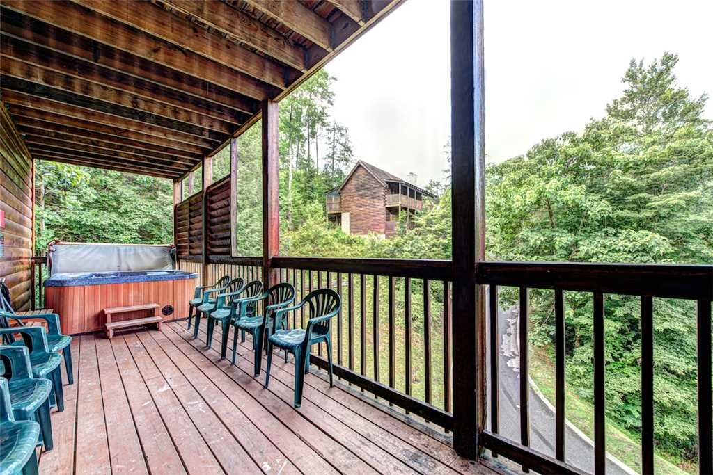 Photo of a Pigeon Forge Cabin named Southern Dream - This is the thirty-fifth photo in the set.