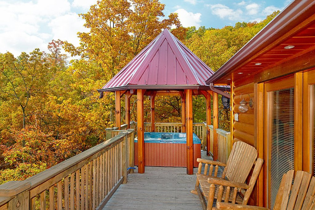Photo of a Pigeon Forge Cabin named Gateway To Heaven - This is the nineteenth photo in the set.