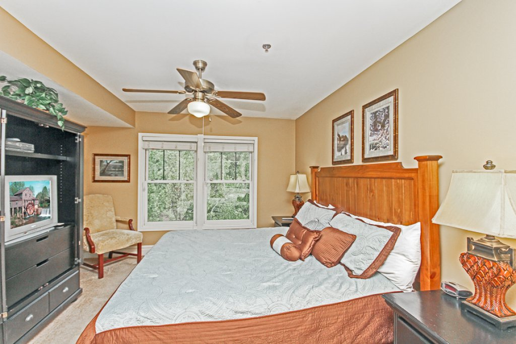 Photo of a Gatlinburg Condo named Baskins Creek 502 - This is the fifth photo in the set.