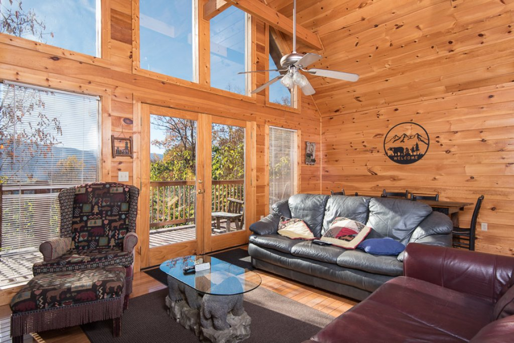 Photo of a Sevierville Cabin named Gateway To Heaven - This is the second photo in the set.