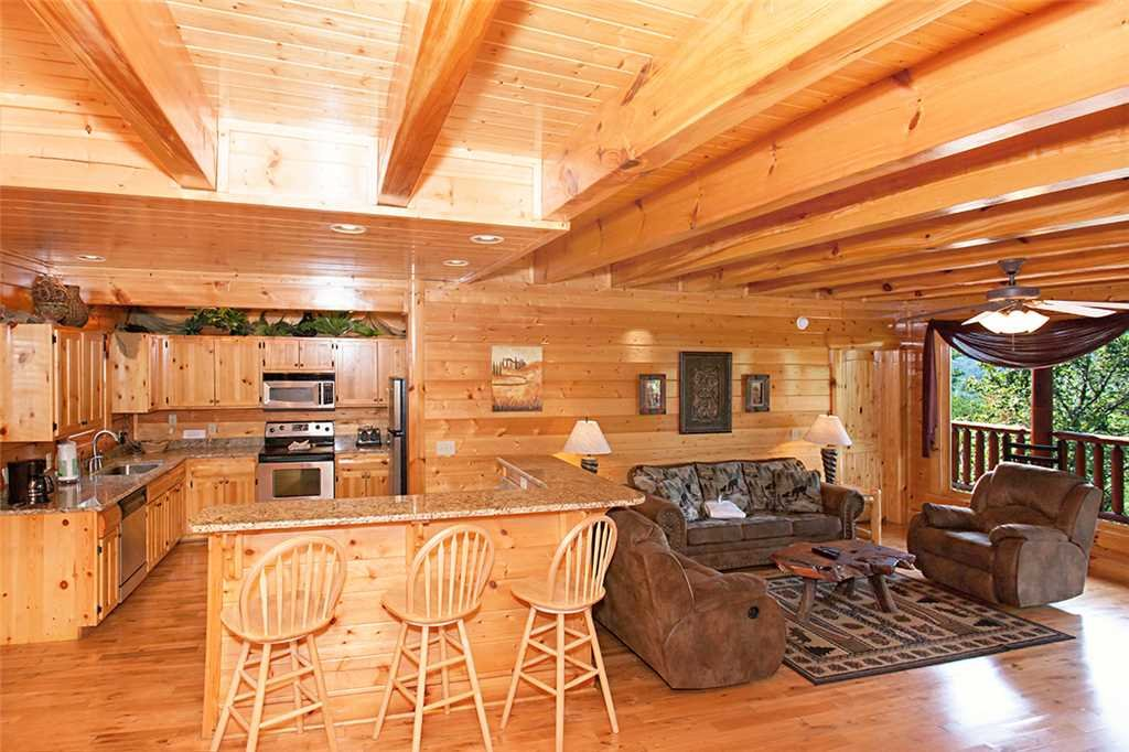 Photo of a Pigeon Forge Cabin named Cherokee Lodge - This is the seventh photo in the set.