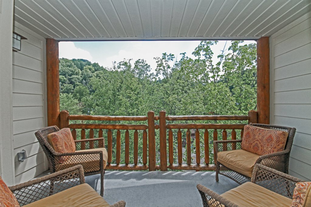 Photo of a Gatlinburg Condo named Baskins Creek 502 - This is the fourteenth photo in the set.
