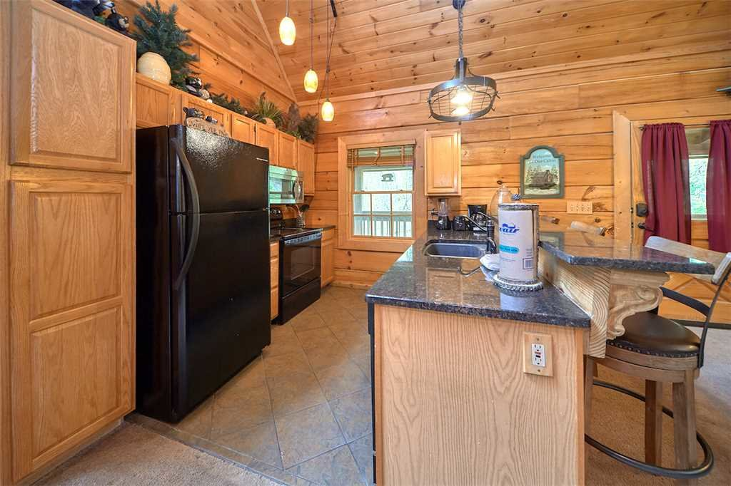 Photo of a Sevierville Cabin named A Honey Cove - This is the sixth photo in the set.