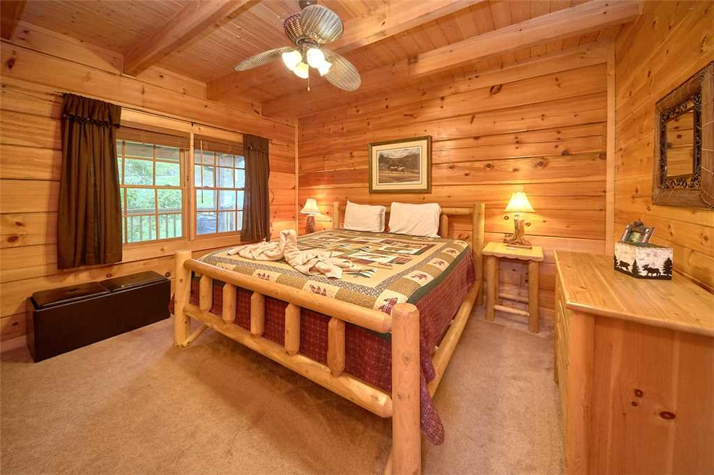 Photo of a Sevierville Cabin named A Honey Cove - This is the thirteenth photo in the set.