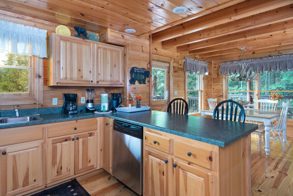 Photo of a Pigeon Forge Cabin named Black Paw - This is the sixth photo in the set.