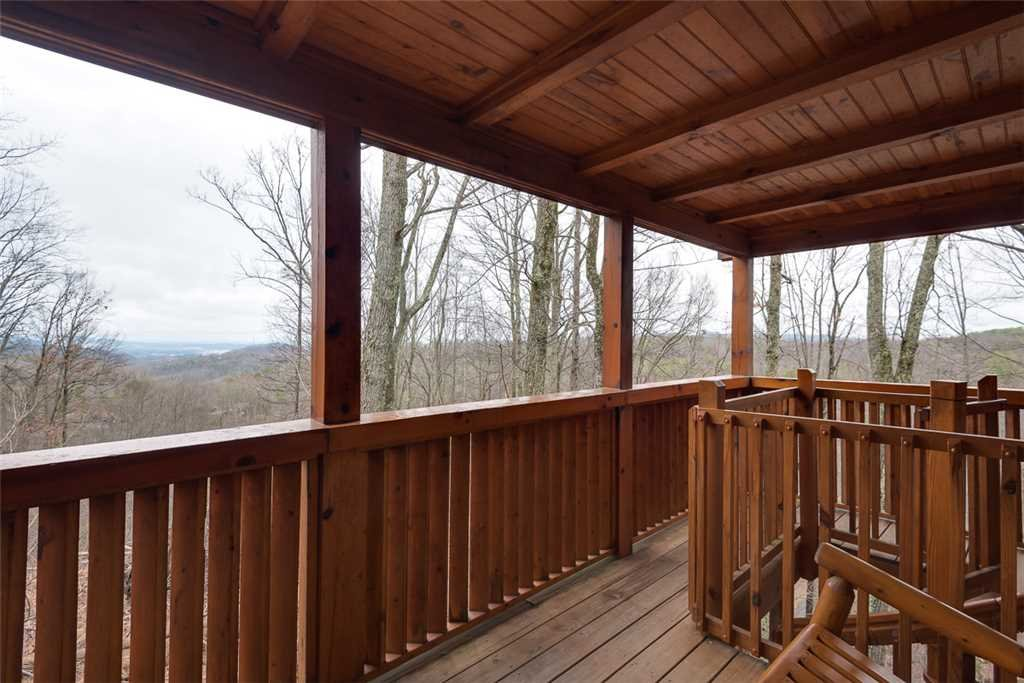 Photo of a Gatlinburg Cabin named Bear In The Trees - This is the seventeenth photo in the set.