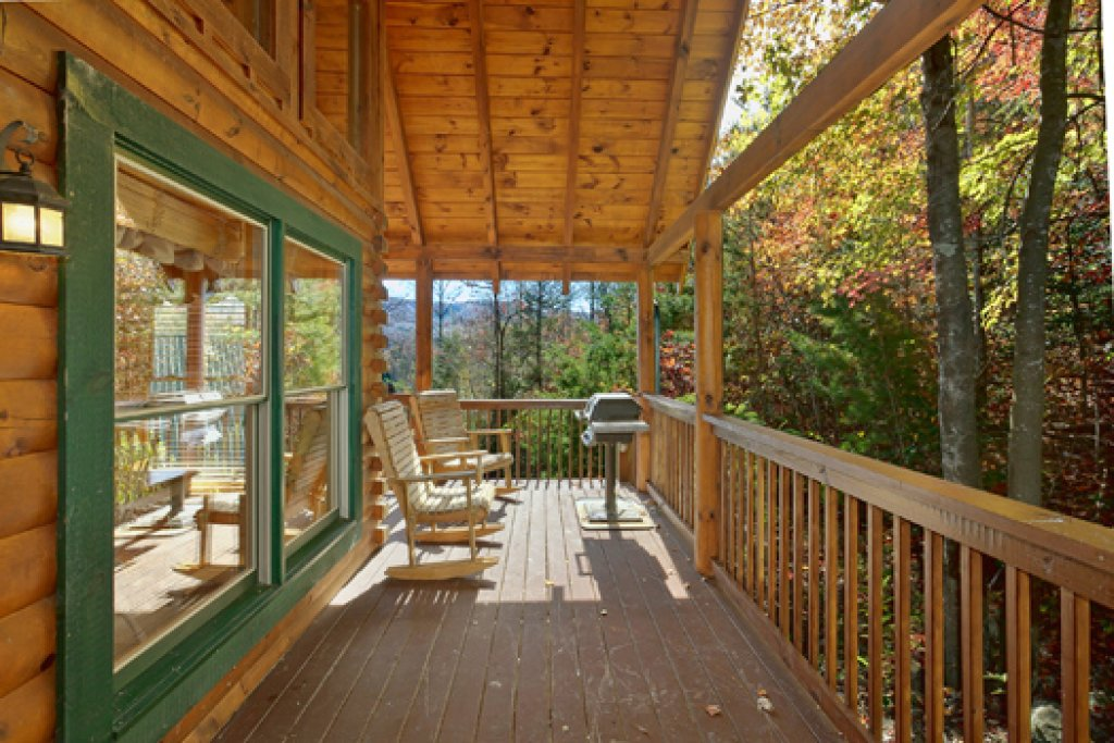 Photo of a Pigeon Forge Cabin named Black Paw - This is the fifteenth photo in the set.