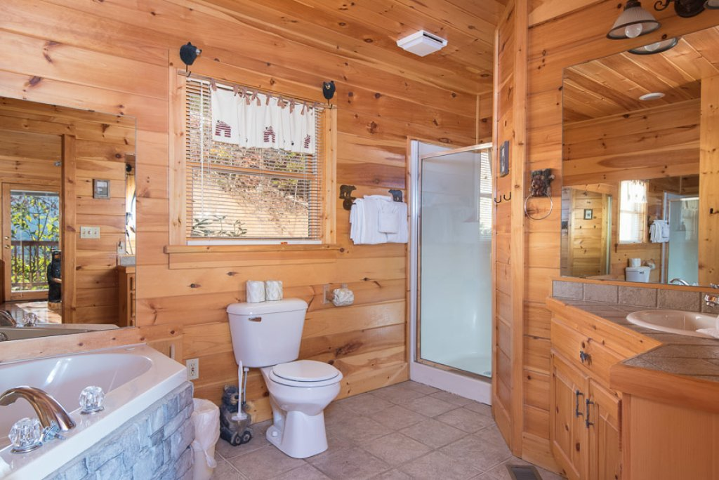 Photo of a Sevierville Cabin named Gateway To Heaven - This is the sixth photo in the set.