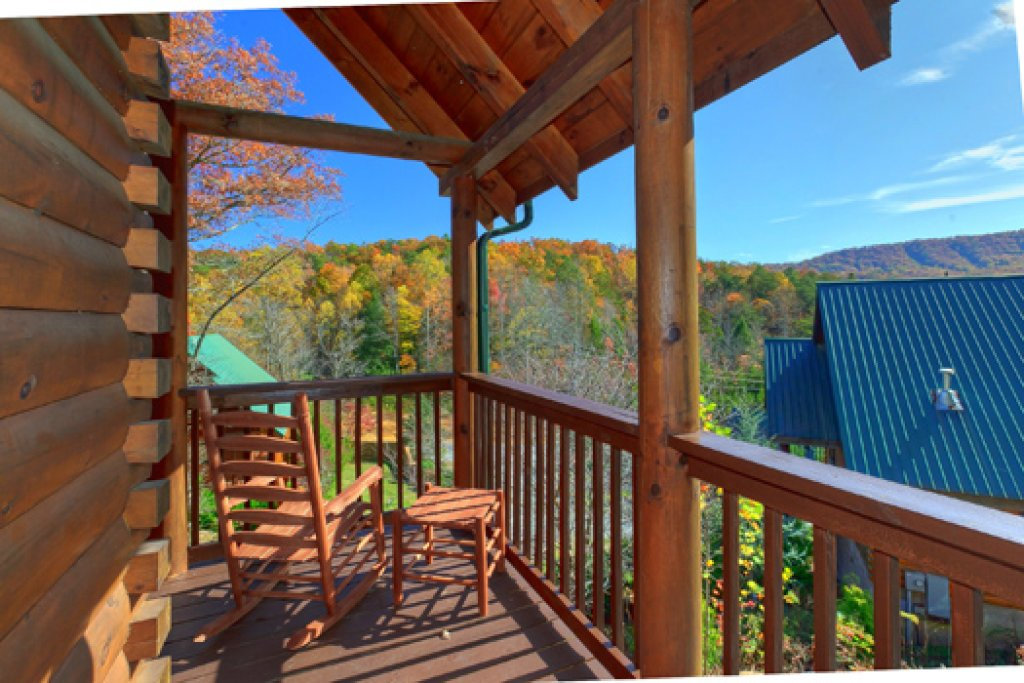 Photo of a Pigeon Forge Cabin named Black Paw - This is the thirteenth photo in the set.