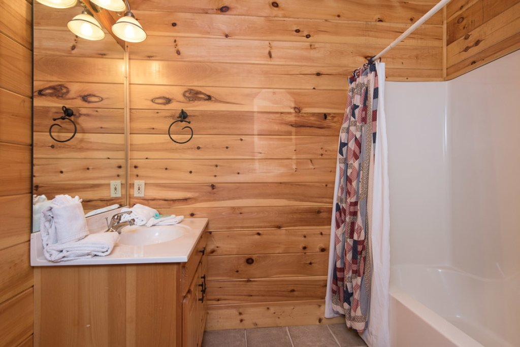 Photo of a Sevierville Cabin named Gateway To Heaven - This is the fourteenth photo in the set.