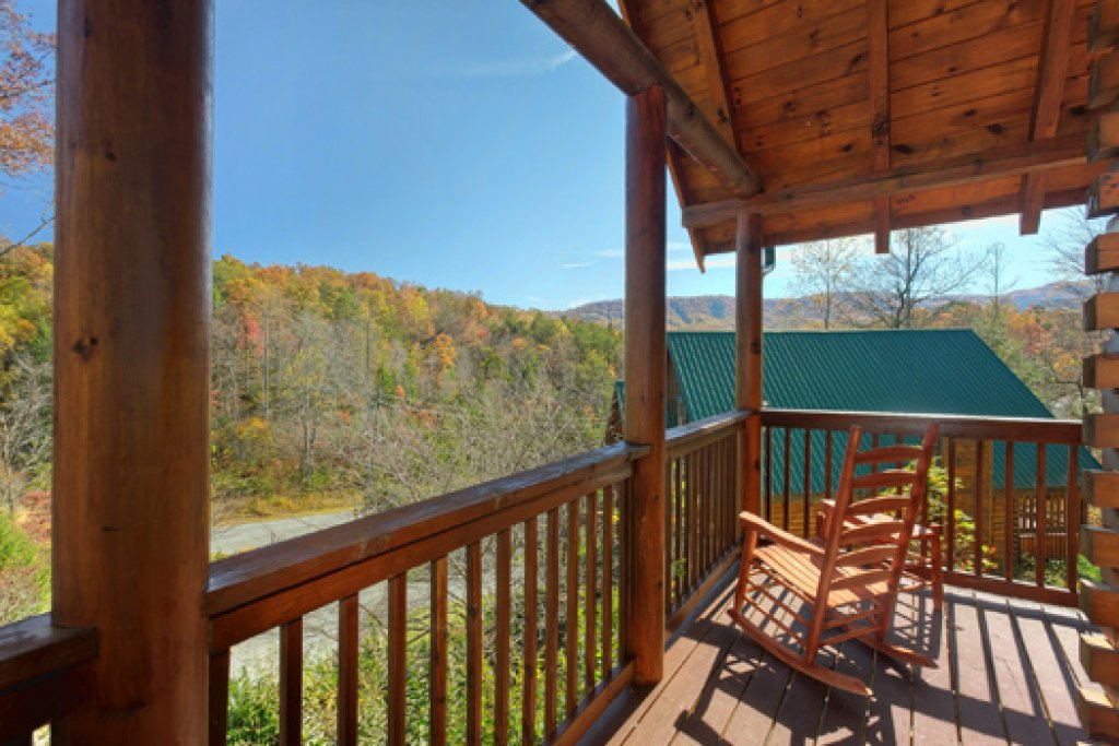 Photo of a Pigeon Forge Cabin named Black Paw - This is the fourteenth photo in the set.