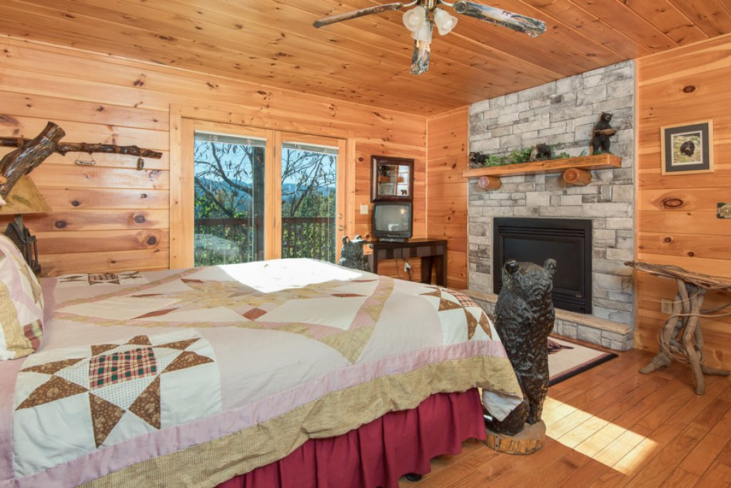Photo of a Sevierville Cabin named Gateway To Heaven - This is the fifth photo in the set.