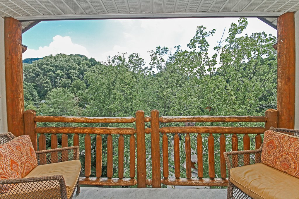 Photo of a Gatlinburg Condo named Baskins Creek 502 - This is the fifteenth photo in the set.