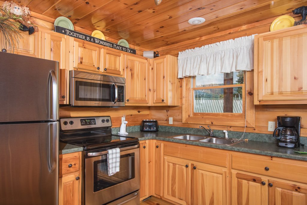 Photo of a Pigeon Forge Cabin named Black Paw - This is the fifth photo in the set.