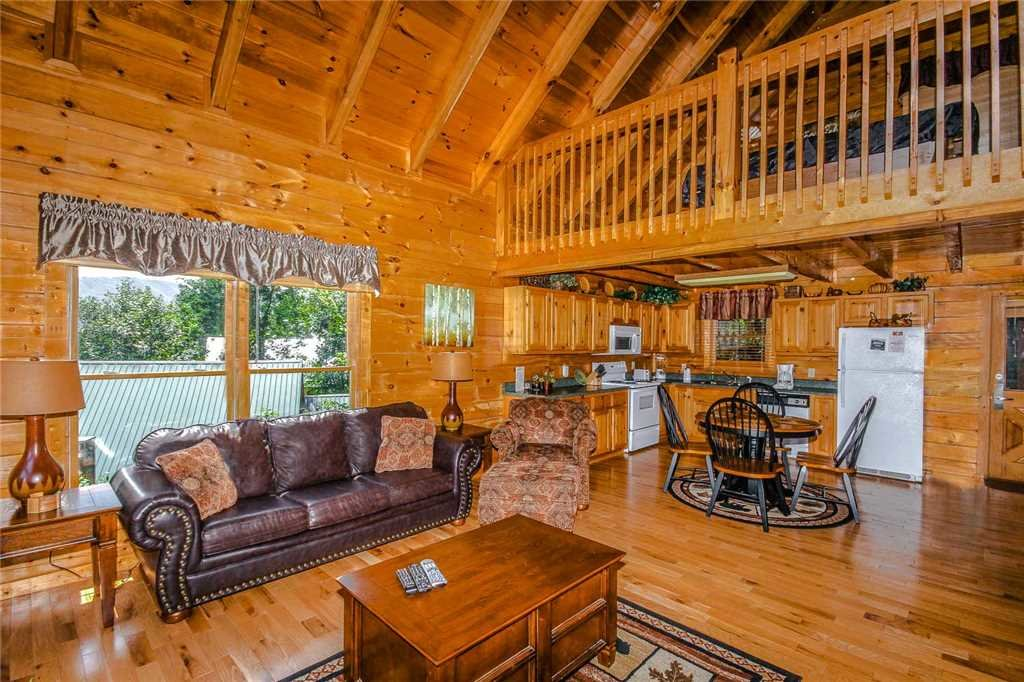 Photo of a Pigeon Forge Cabin named Elegant Escape - This is the second photo in the set.