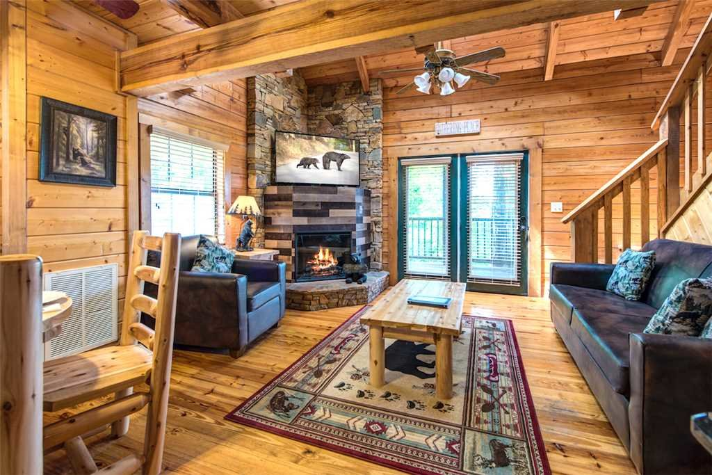 Photo of a Pigeon Forge Cabin named Lap Of Luxury - This is the first photo in the set.