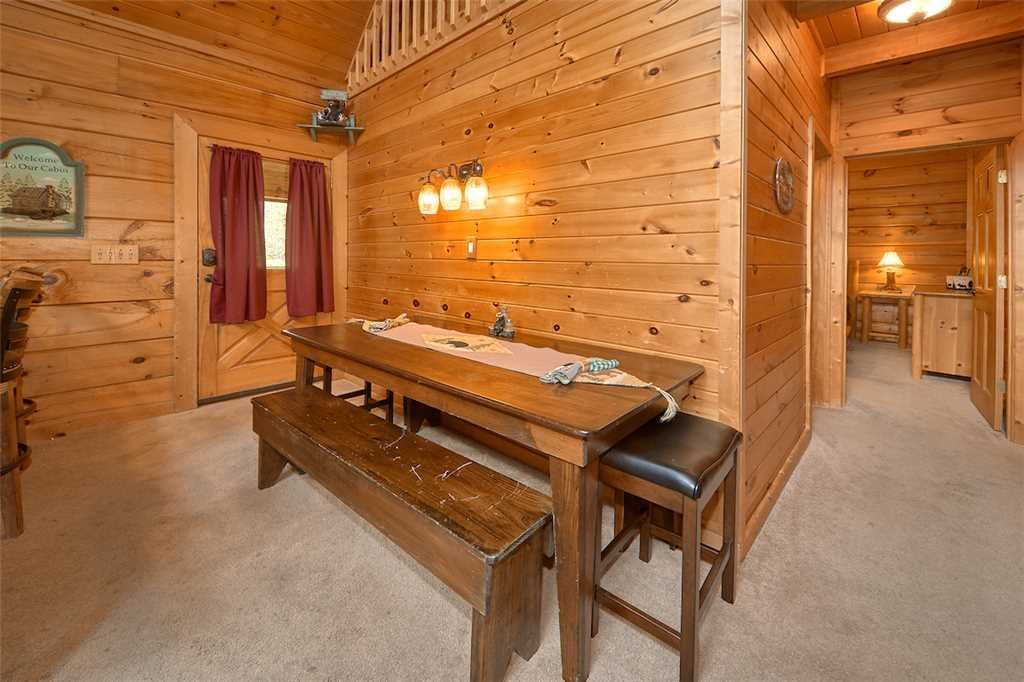Photo of a Sevierville Cabin named A Honey Cove - This is the fifth photo in the set.