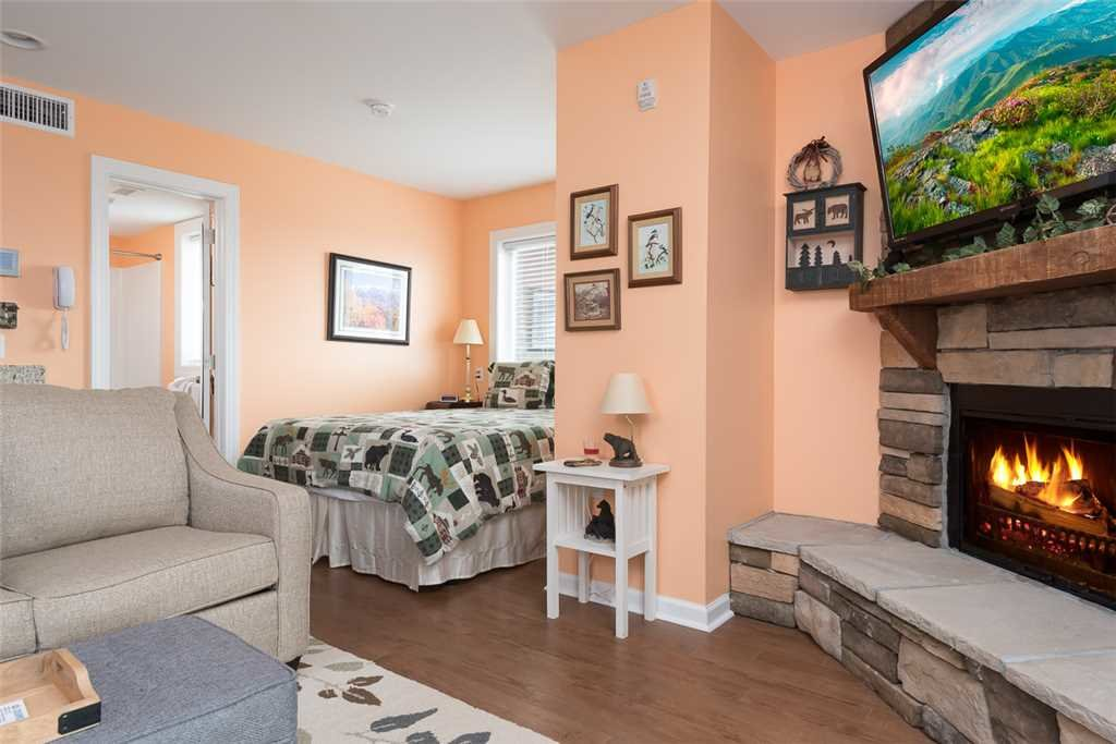 Photo of a Gatlinburg Condo named Gatlinburg Summit Condo 6208 - This is the third photo in the set.