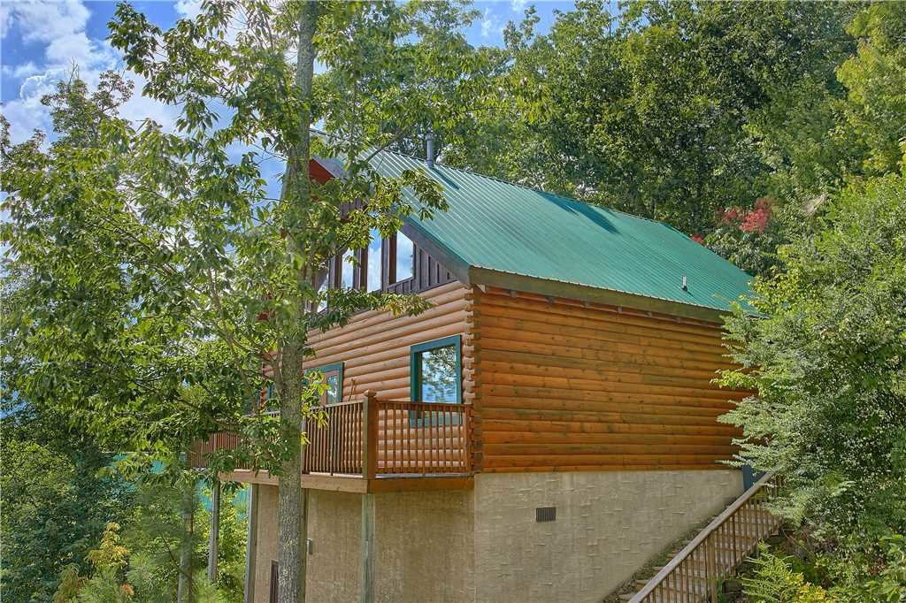 Photo of a Pigeon Forge Cabin named Elegant Escape - This is the thirteenth photo in the set.