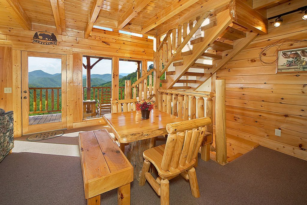Photo of a Pigeon Forge Cabin named Eagles Nest - This is the third photo in the set.