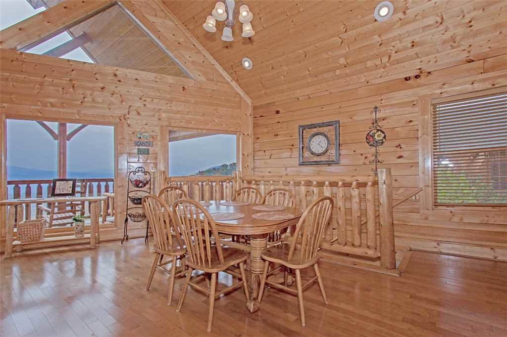Photo of a Pigeon Forge Cabin named Breathtaking View - This is the fifth photo in the set.