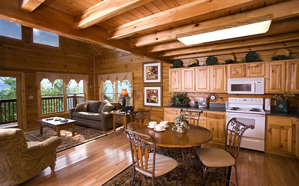 Photo of a Pigeon Forge Cabin named Moonlight Retreat - This is the third photo in the set.