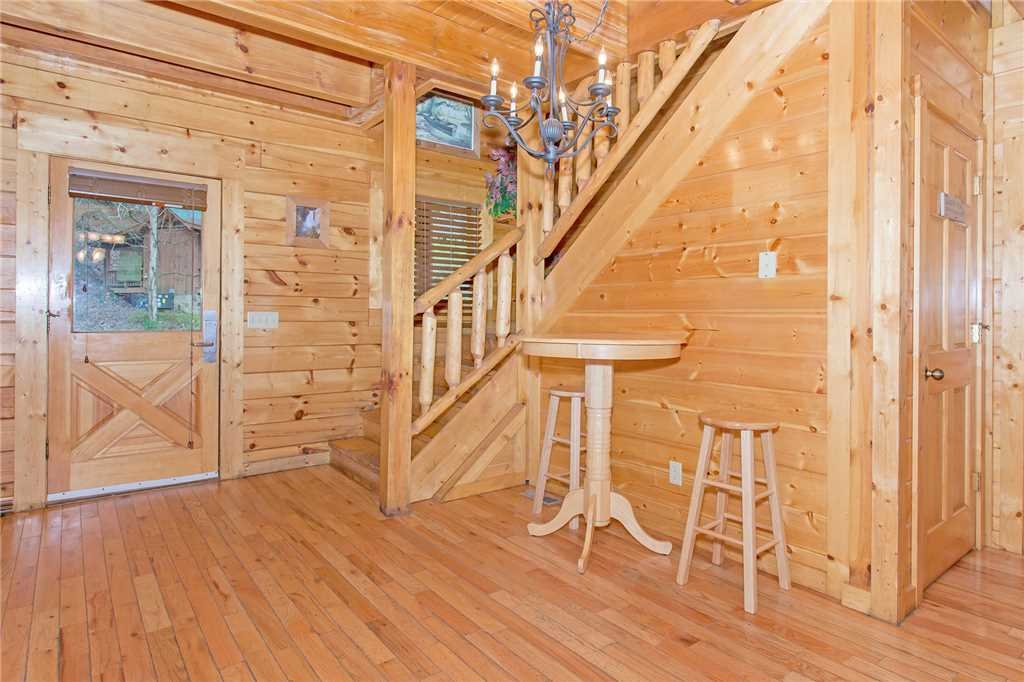 Photo of a Pigeon Forge Cabin named Caney Creek Lodge - This is the fifth photo in the set.