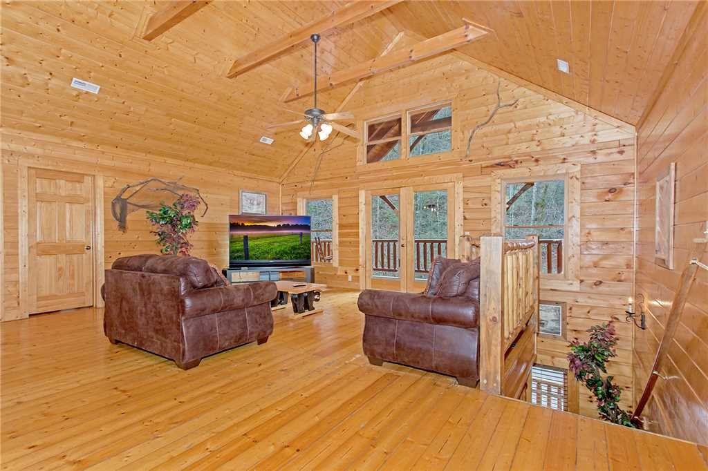 Photo of a Gatlinburg Cabin named Caney Creek Lodge - This is the tenth photo in the set.