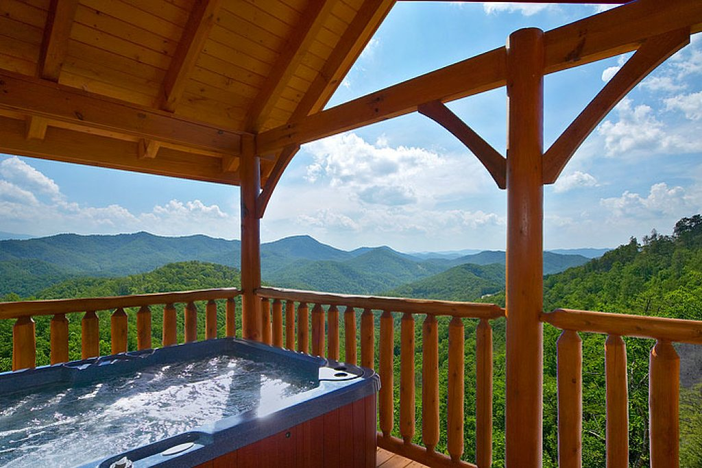 Photo of a Pigeon Forge Cabin named Eagles Nest - This is the eleventh photo in the set.