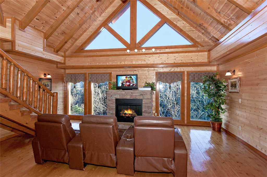 Photo of a Pigeon Forge Cabin named Mountain Theatre Lodge - This is the seventh photo in the set.