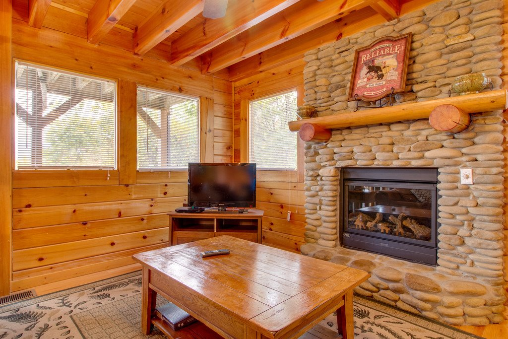 Photo of a Pigeon Forge Cabin named Mountain Dream At Starr Crest - This is the third photo in the set.