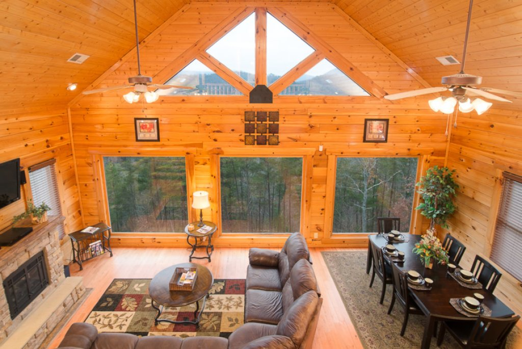 Photo of a Pigeon Forge Cabin named Paradise Retreat - This is the third photo in the set.