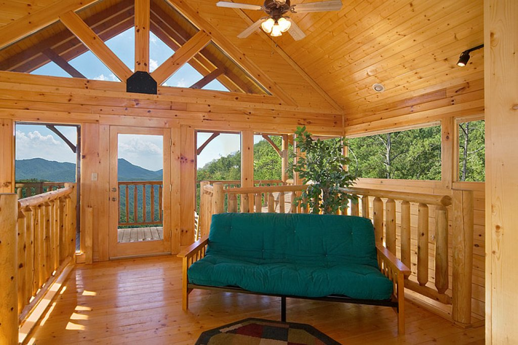 Photo of a Pigeon Forge Cabin named Eagles Nest - This is the ninth photo in the set.