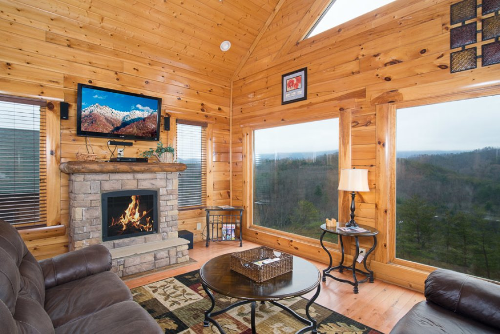 Photo of a Pigeon Forge Cabin named Paradise Retreat - This is the first photo in the set.