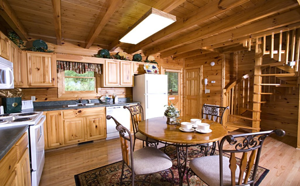 Photo of a Pigeon Forge Cabin named Moonlight Retreat - This is the fourth photo in the set.