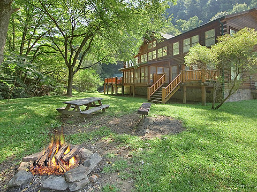 Photo of a Gatlinburg Cabin named Caney Creek Lodge - This is the first photo in the set.