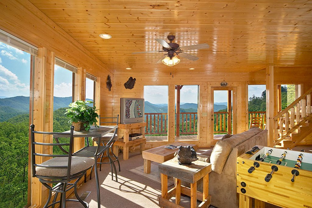 Photo of a Pigeon Forge Cabin named Eagles Nest - This is the seventh photo in the set.