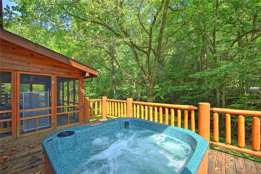 Photo of a Pigeon Forge Cabin named Caney Creek Lodge - This is the twenty-ninth photo in the set.