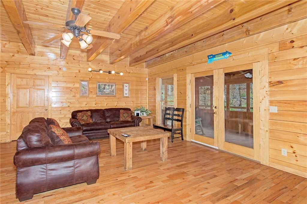 Photo of a Pigeon Forge Cabin named Caney Creek Lodge - This is the third photo in the set.