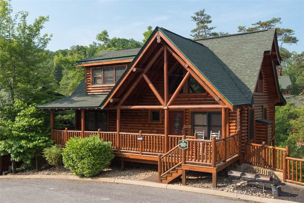Photo of a Pigeon Forge Cabin named Grand Pinnacle Vista - This is the first photo in the set.